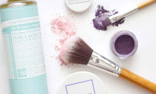 The Ultimate Guide to Safe, Non-Toxic Makeup