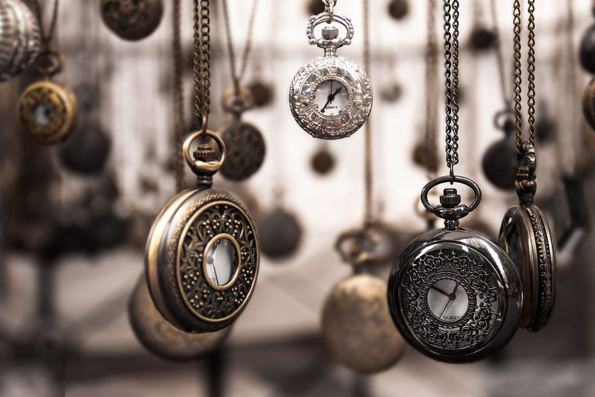 5 Steps to Buying Antique Jewelry