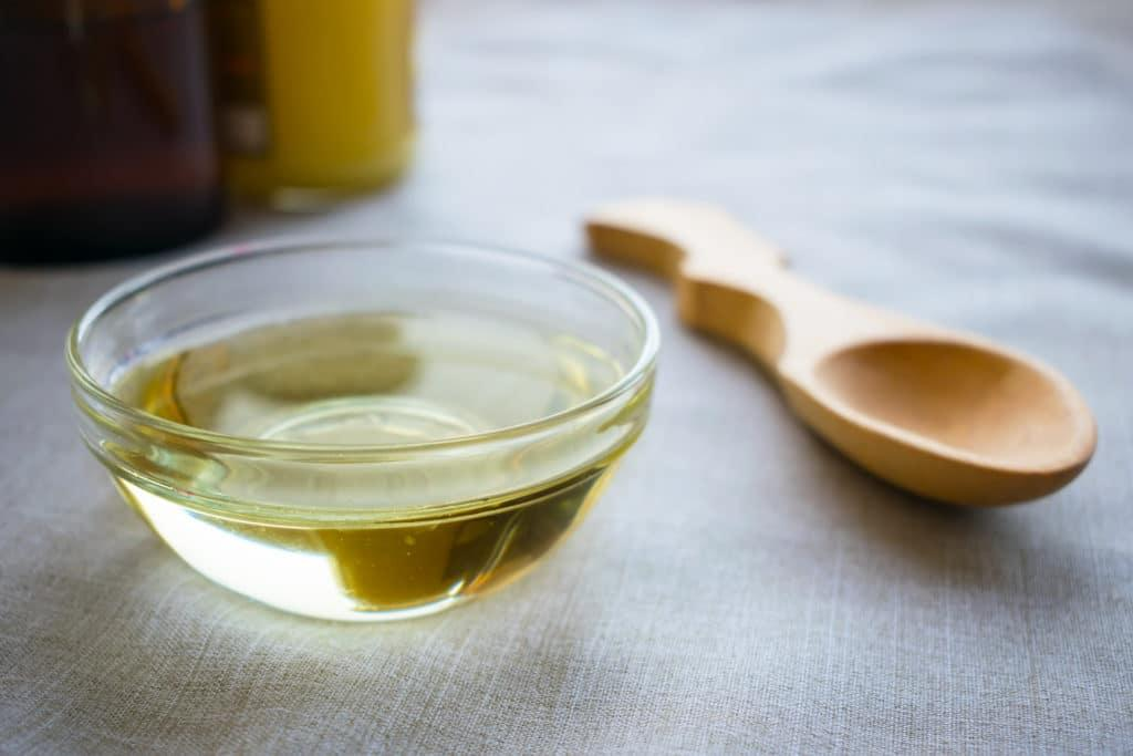 Benefits of Adding MCT Oil Online to Your Diet Plan
