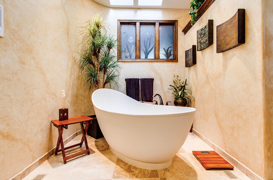 Pedestal vs. Built-In Tubs: What Are the 5 Main Pros and Cons of Each?